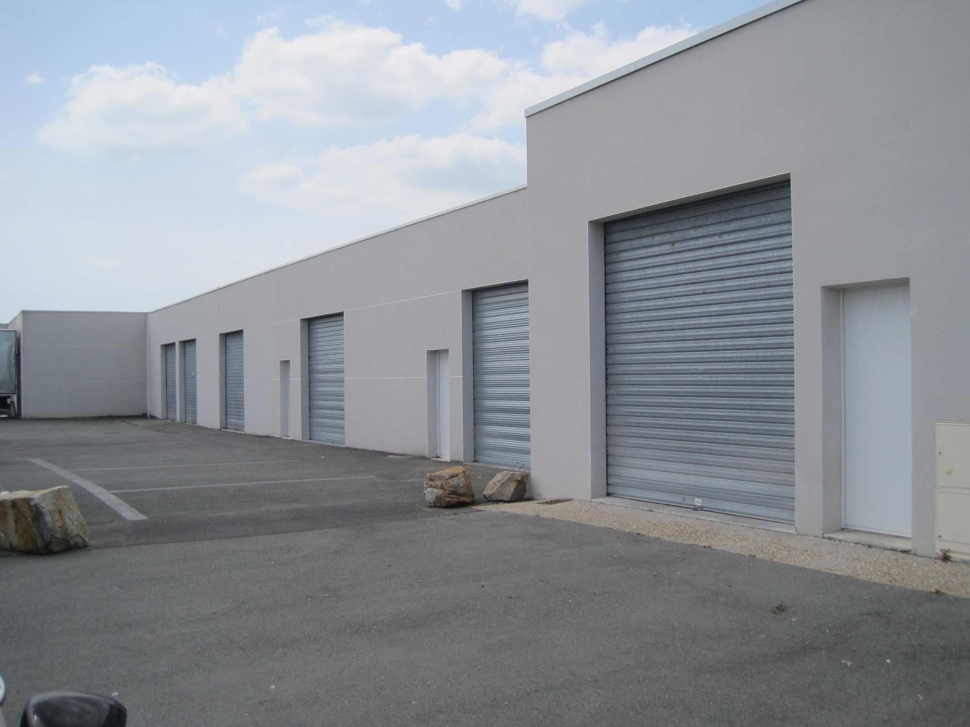 Local d'activités – Dépôt de 66 m² – Aytré